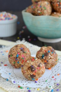 Skinny-Peanut-Butter-Granola-Bites-2