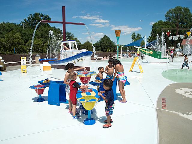 Summer Spray And Splash In Washington Dc